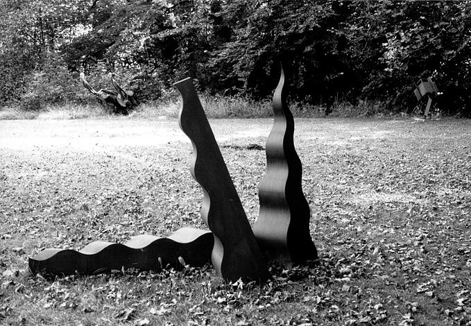 O.T., Stahl geschweisst, je ca 160 x 45 x 40 cm, 1991