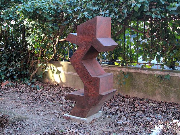 O.T. Stahl geschweisst, 148 x 72 x 41 cm, 2005