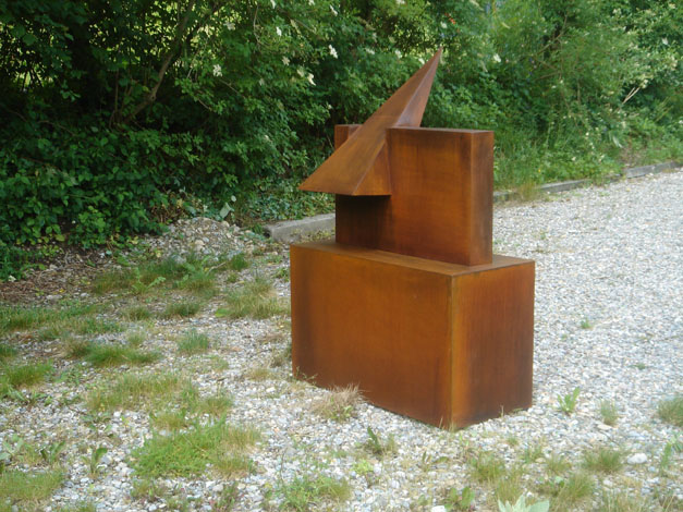 O.T., Stahl geschweisst, 80 x 74 x 65 cm (ohne Sockel), 2008,